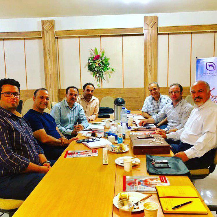 دیدار اعضای صنعت زالوی ایران با کمیته فنی شرکت تعاونی دامداران استان (وحدت)